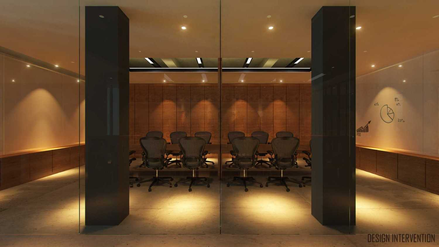 Foto inspirasi ide desain ruang meeting Meeting-room-view oleh DESIGN INTERVENTION di Arsitag