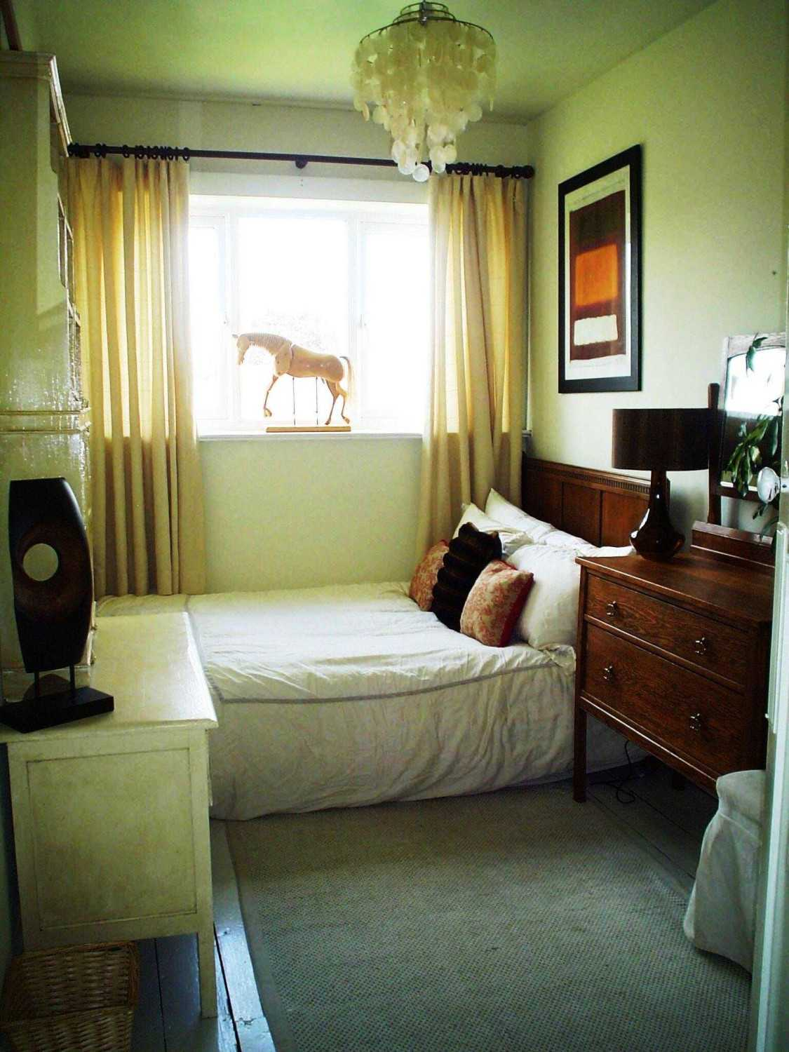 Small Bedroom Decorating@How to Furnish