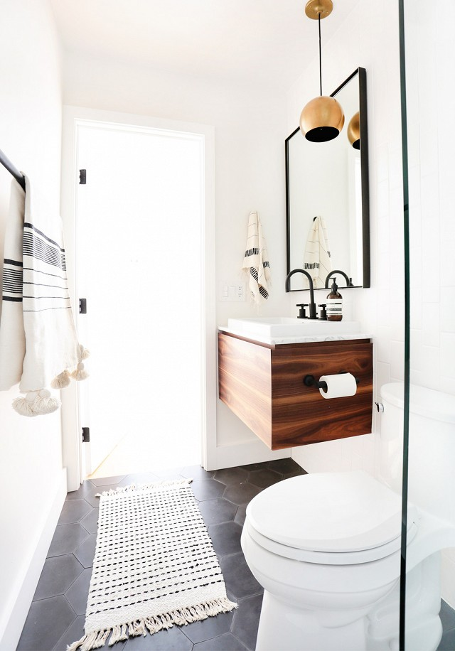 Electic California Bungalow Home Design (Sumber: mydomaine.com)