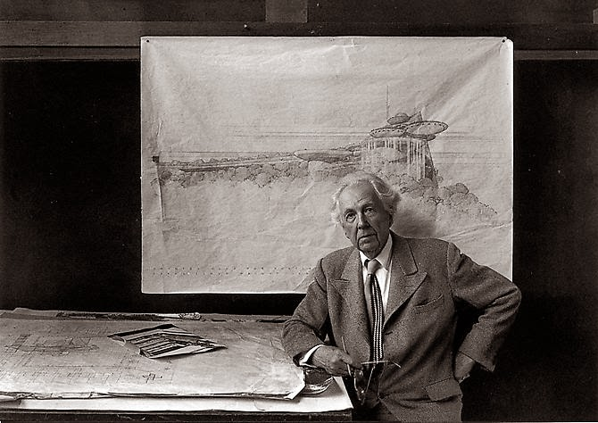 Frank Lloyd Wright (8 Juni 1867-9 April 1959) (Sumber: ruangarsitekunimal.blogspot.co.id)